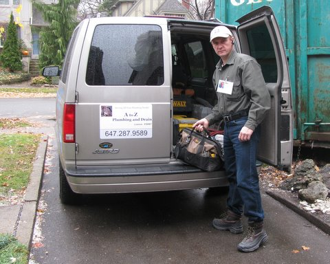 Toronto Plumbers arrive to the client in Toronto area